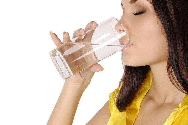 7 Рад про те, як пити воду, щоб схуднути