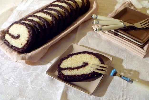 Десертний рулет з рисом і чорносливом