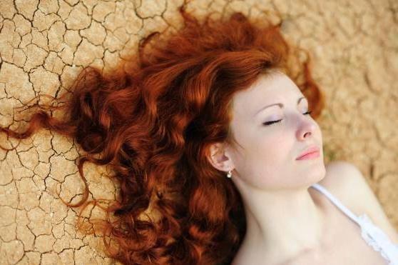 Хна іранська: безпечний засіб для фарбування волосся