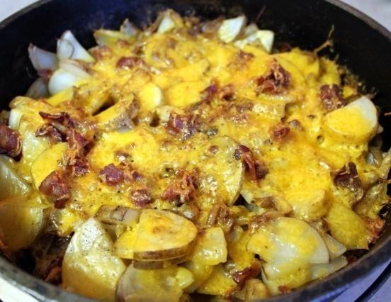 запечена картопля в мультиварці Поларіс