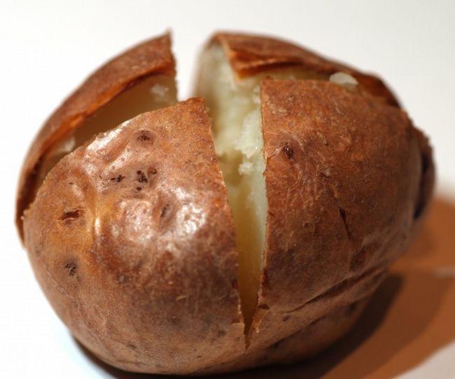 Як спекти картоплю в мікрохвильовці