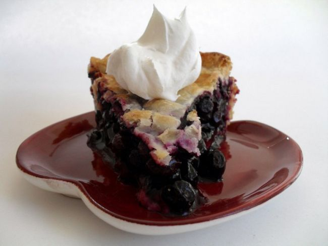 Як спекти річний пиріг з чорницею