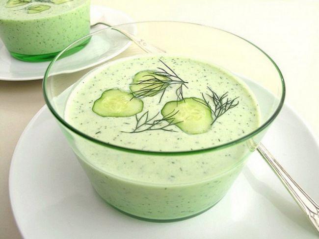 Як приготувати холодний суп з огірків