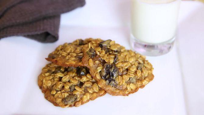 Зображення з назвою Bake Oatmeal Cookies Step 10 preview