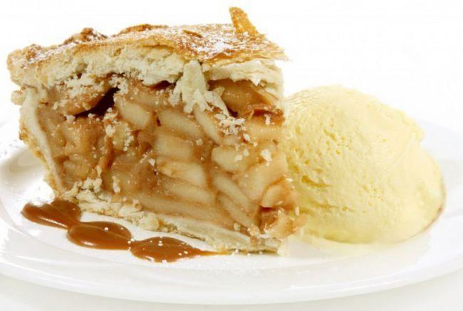 Як зробити яблучний пиріг з морозивом та карамеллю