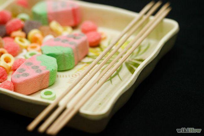 Зображення з назвою Make Candy Kebabs Step 2
