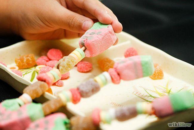 Зображення з назвою Make Candy Kebabs Step 3