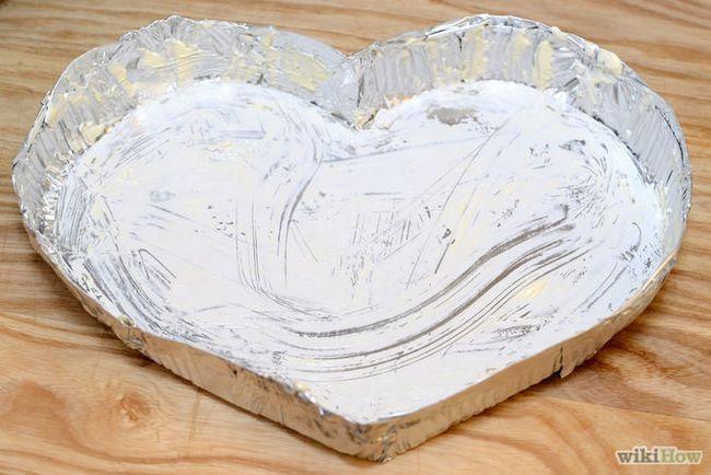 Зображення з назвою Make a Heart Shaped Cake Step 2