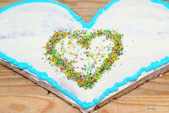 Зображення з назвою Make a Heart Shaped Cake Step 20