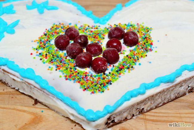 Зображення з назвою Make a Heart Shaped Cake Step 23