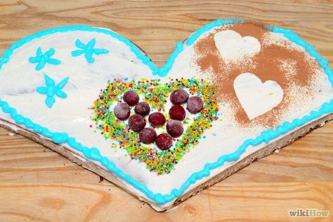 Зображення з назвою Make a Heart Shaped Cake Final