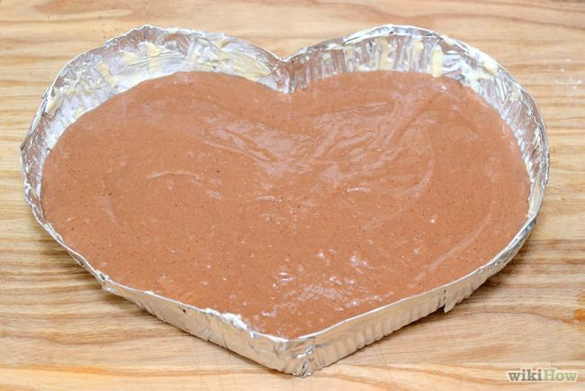 Зображення з назвою Make a Heart Shaped Cake Step 5