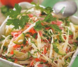 салат з крабовими паличками і з капустою