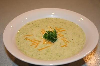 Ніжний сирний крем-суп: рецепт приготування