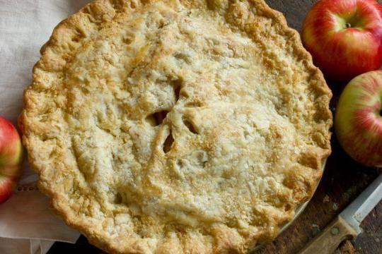 пиріг з яблуками на сметані
