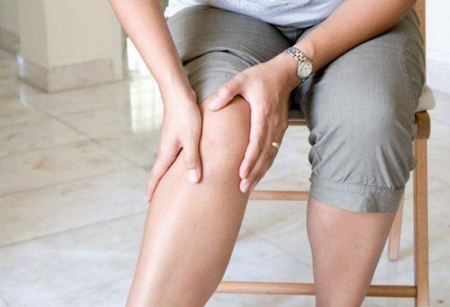 Чому болять суглоби ніг