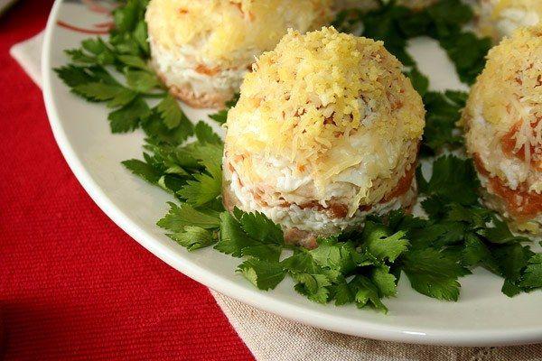 Рецепти салатів з консервованої горбушей