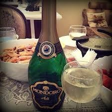 Мондоро шампанське