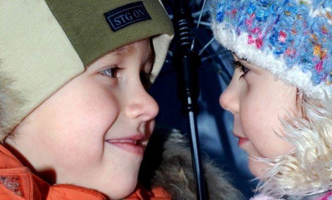 Як навчити спілкуватися дитини з однолітком