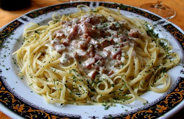 Як приготувати вершковий соус до макаронів
