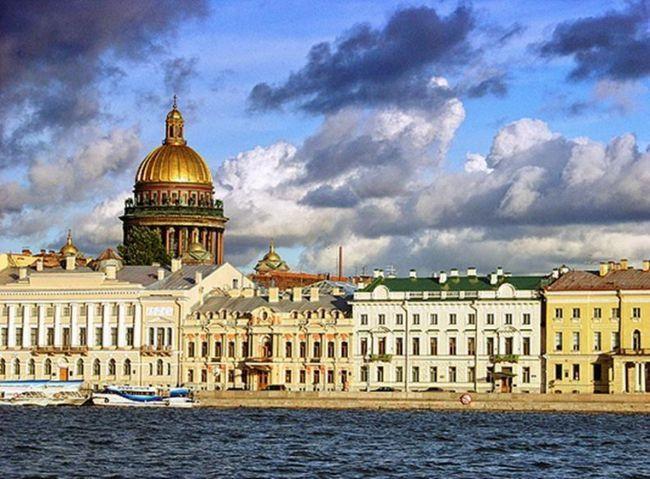 Чи варто переїжджати з провінції в петербург?