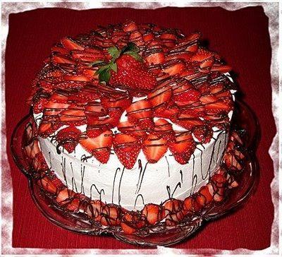 як зробити полуничний торт