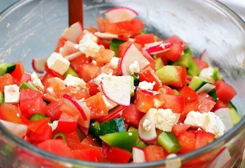 смачні літні салати з фото