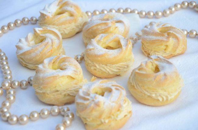 Заварні пиріжки з сирним кремом