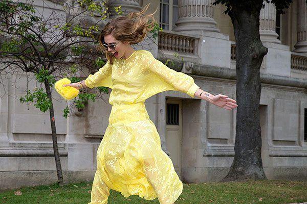 Забавні речі, які надінуть модні дівчата навесні і влітку