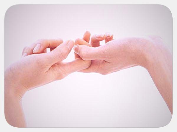 Чому хрустять пальці, шия і хребет? Шкода від хрустеніе пальцями, шиєю і хребтом