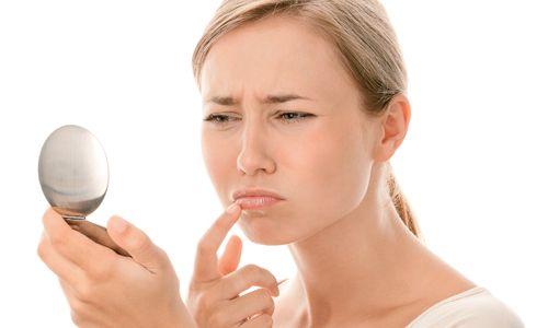 Як лікувати гормональні прищі?