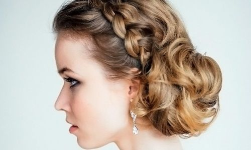 Грецькі зачіски на середні волосся