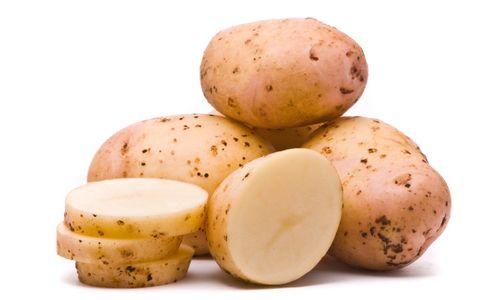 Як використовувати сиру картоплю для особи