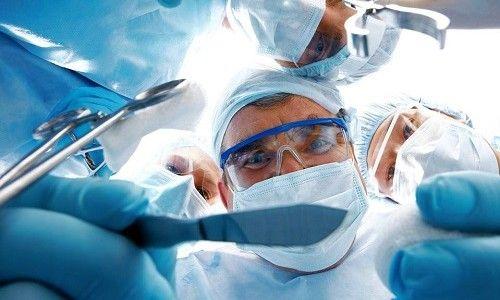 Як уникнути відшарування сітківки ока після операції?