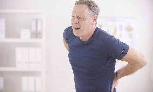 Що робити, якщо з`явився біль у попереку, що віддає в пах