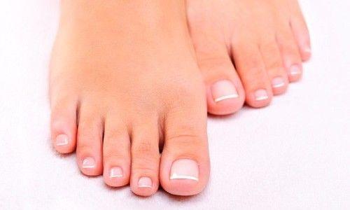 Проблема грибка на нігтях ніг