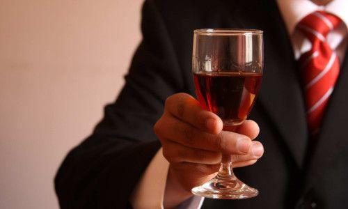Вживання алкоголю при гастриті