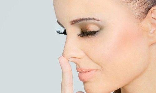 Чому виникає сухість в носі?