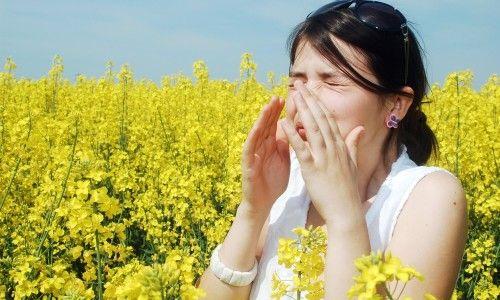 Застосування активованого вугілля і глюконату кальцію в лікуванні алергії